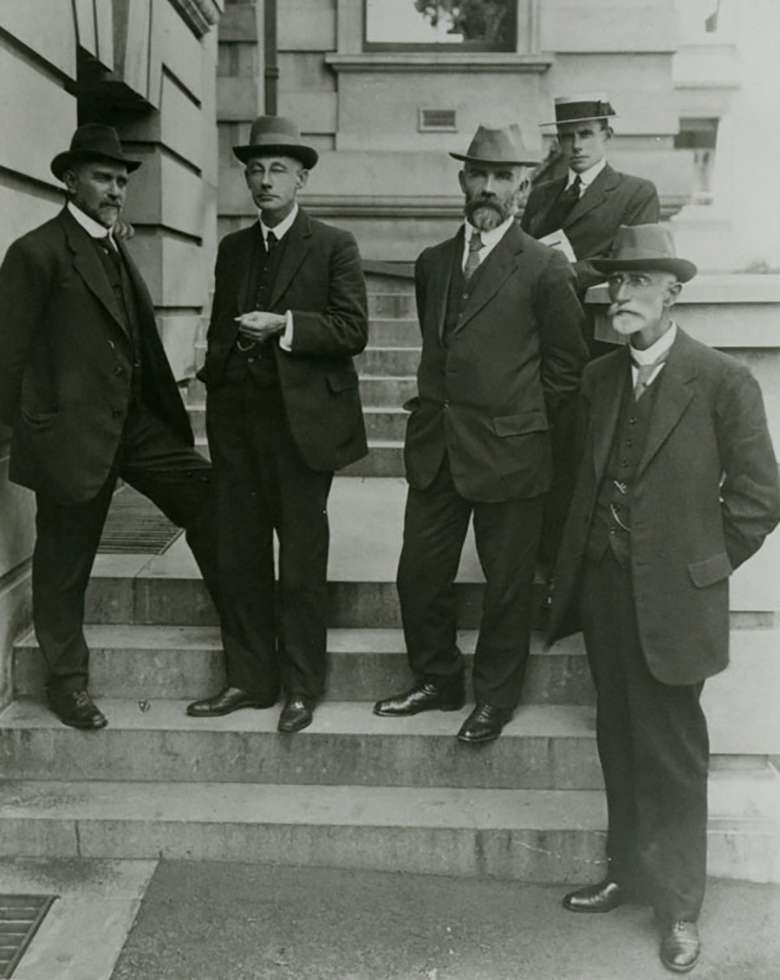 River Murray Commissioners and staff 1917.