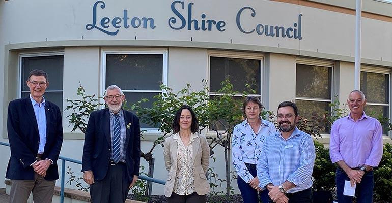 MDBA Chair Sir Angus Houston (left) visits Leeton Shire Council